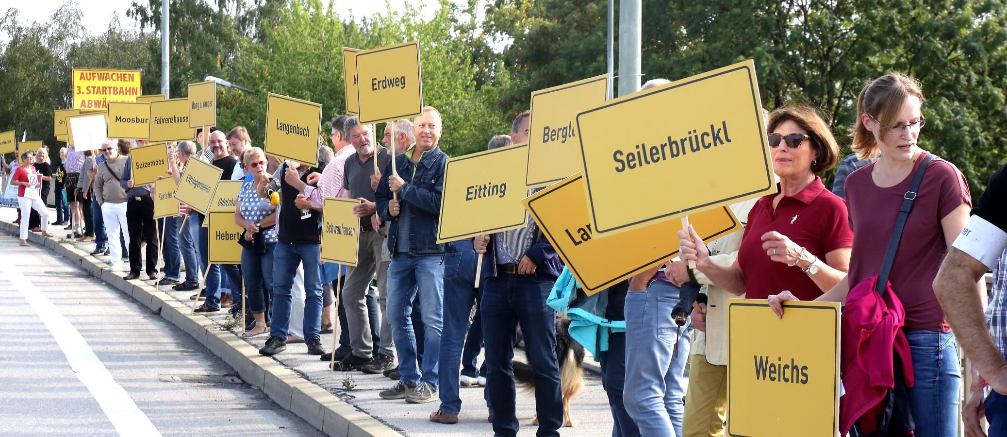 Demonstration vor der Staatskanzlei